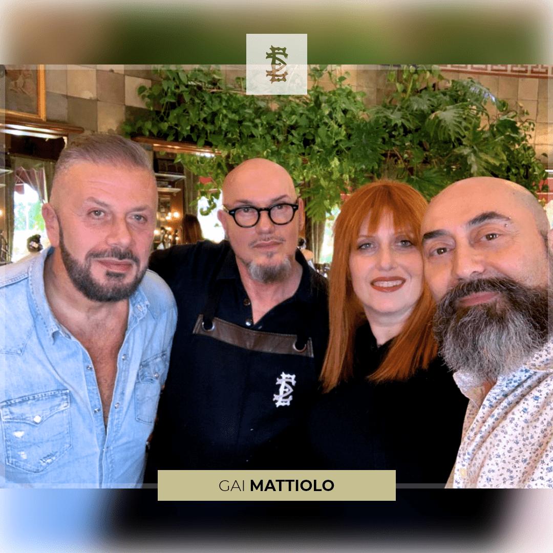 Gai Mattiolo ritocca il suo look!